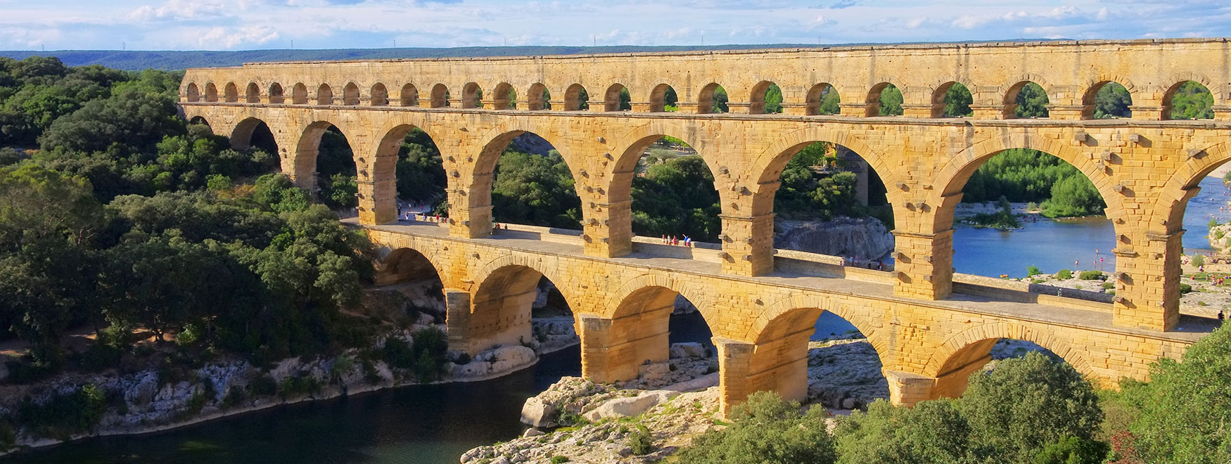 Excursion to Uzès, Pont du Gard and Avignon