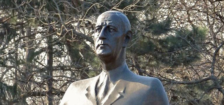Important Historical Figures in French Culture - Charles De Gaulle